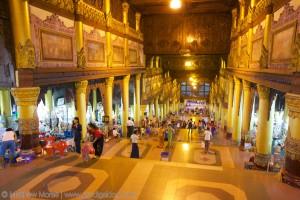 the-prodigal-dog_shwedagon_pagoda4
